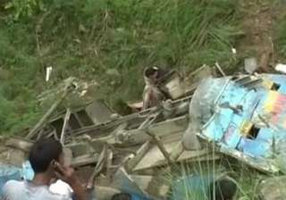 eight killed as vehicle rolls down gorge in...