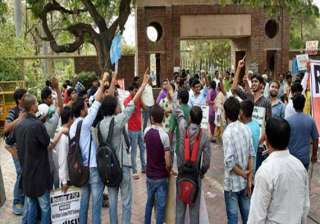 du admission confusion persists students left in...