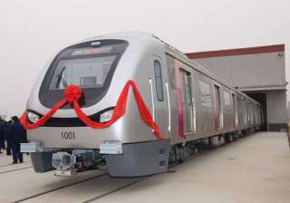 mumbai metro rolls out over 1 lakh commuters take...