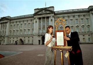 footman who announced royal baby returns to india...