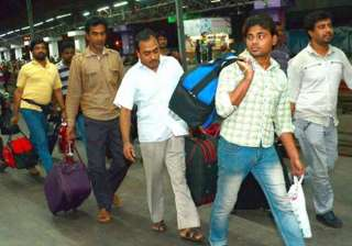 11 indians rescued from yemen reach delhi by pak...