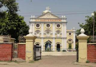 church vandalised in agra statues damaged - India...