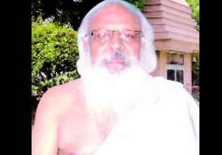 this baba in delhi hypnotizes then robs his...