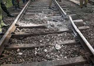 maoists threatens to blow up railway tracks in...