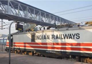 railways eyeing rs 2000 cr from advertisements to...