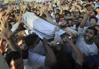 7 killed 250 injured in kashmir as protesters...