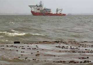 mumbai oil spill a big disaster clean up on -...