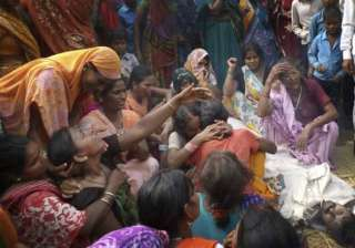 up hooch tragedy toll climbs to 27 - India TV