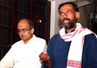 aap set to serve final notice to rebels yadav and...