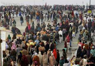 five lakh devotees take dip in gangasagar on...