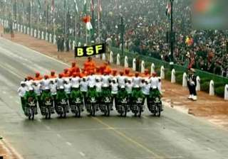 obama thumbs up to bsf janbaz team s daredevil...
