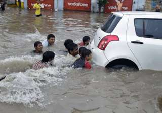 six killed as heavy rains lash ahmedabad - India...