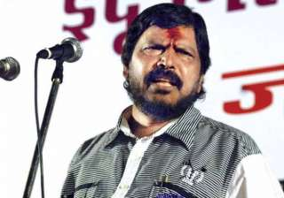 athawale to lead protest against beef ban in...