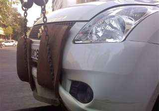 now delhi police whatsapp to give info on towed...