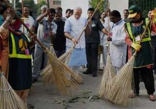 foreigners living in india laud clean india drive...