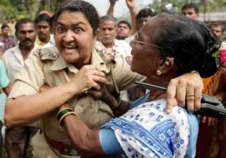 jaitapur police did not spare even women children...