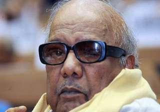 karunanidhi broke down while meeting daughter in...