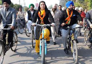 mla de naal mp free is sidhu s slogan in amritsar...