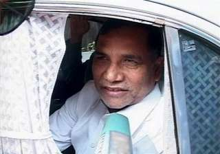 mumbai cong leader kripashankar booked under arms...