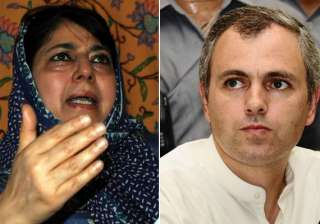 omar govt is a headless chicken says mehbooba...