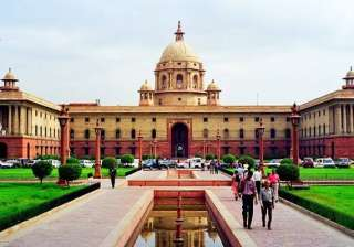 sc notice to centre on allowing pvt radio to...