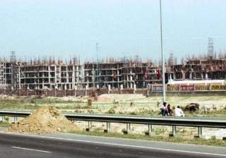 sc notice to gnoida up on land acquisition row -...