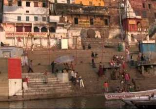 several people missing after boat sinks in ganga...