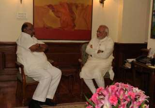 sharad pawar meets pm to discuss poor monsoon...