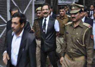 sc orders subrata roy to pay rs 10 000 core to...