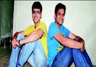 thane brothers score 99.8 percentile in cat -...