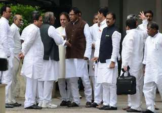 two more andhra ministers quit over telangana -...