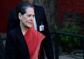 us court asks sonia gandhi to show passport -...