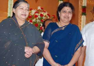 was sasikala giving slow poison to jayalalithaa...