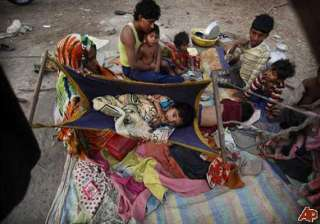 watch in pics tragic life of tribals in maoist...