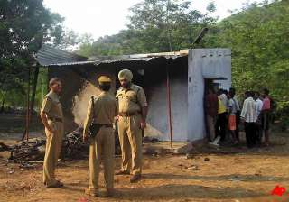 90 arrested in orissa for burning alive 8 persons...