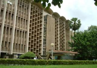 86 out of top 100 qualifiers opt for iit mumbai -...