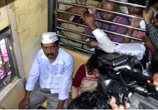aap blames police media for chaos during kejriwal...