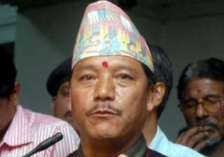 gjm to go along with mamata s decision on prez...