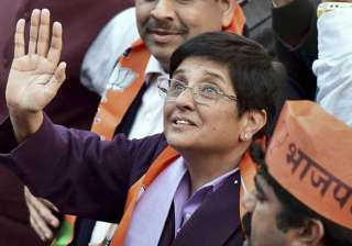 throat infection hits kiran bedi on campaign...