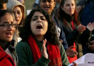 on new year delhi police gifts himmat to women -...