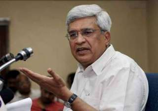 cpi m virtually abandons third front with...