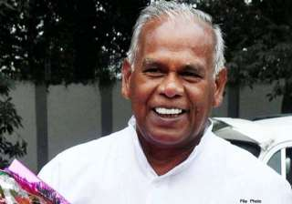 manjhi accuses ministers of doubting his ability...