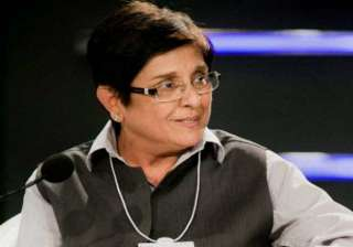 kiran bedi refutes congress charges of using anna...