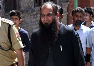 masarat alam to succeed hurriyat hardliner syed...