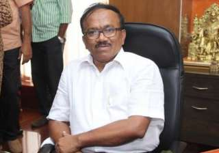 congress slams goa cm for occupying two official...