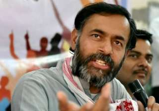 yogendra yadav hits back terms aap s showcause...