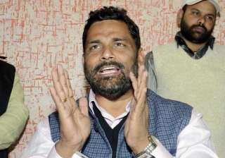 pappu yadav sends notice to sushil modi for...