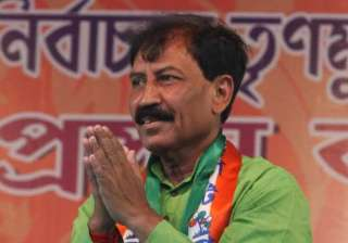 case lodged against tmc mp for slapping traffic...