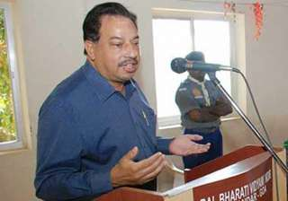 goa minister cautions parrikar over relations...