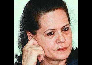 sonia pained at kashmir violence - India TV